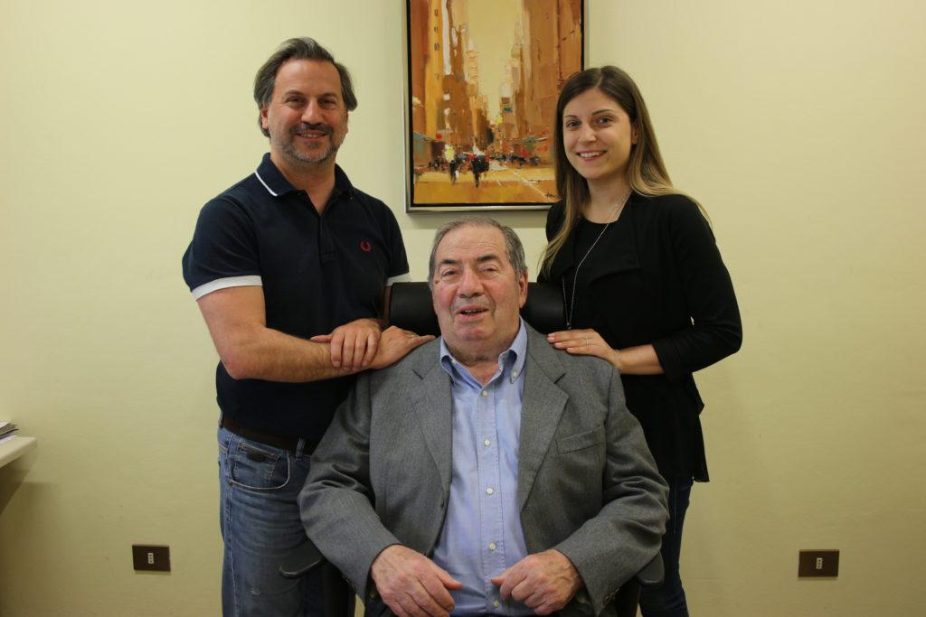 Foto di Cova Lotario (fondatore e presidente), Cova Paolo (figlio di Cova Lotario) e Ghiretti Chiara (nipote di Cova Lotario).